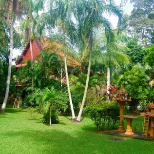 House-From-Garden-2_800x571